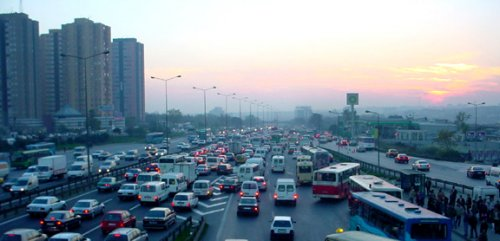 Smog at dusk in Istanbul due to traffic. Source: Google Images.